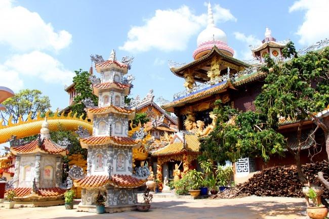 Dia Diem Binh Duong Chua Chau Thoi (7)